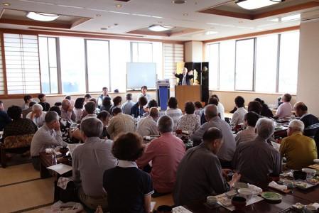 昼食後、木村顧問のミニレクチャー 撮影:津田睦美