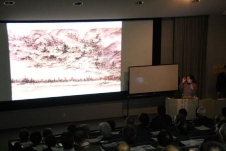 たくさんのスライドを基に、歴史的絵画を解説された
