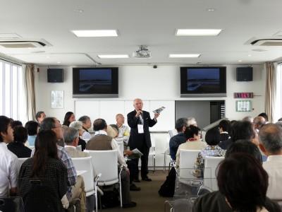 第五回近江学フォーラム現地研修にて近江八景について解説する木村所長