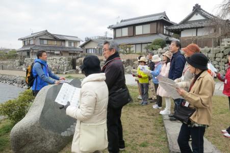 成安造形大学附属近江学研究所加藤研究員による史跡ポイントで楽しい歴史解説