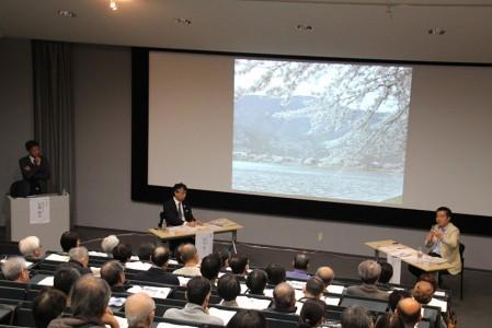 三日月知事と岡田学長の対談