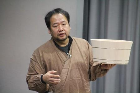 講師の中川周士氏