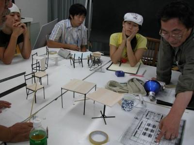 家具は住環境デザインクラスの学生によるコンペで選ばれた。