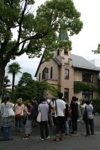 日本基督教団堅田教会前にて